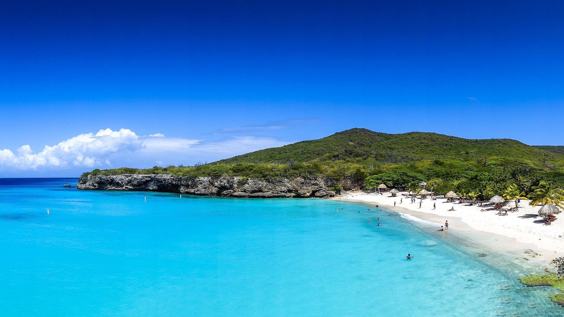 Blue-Bay-Beach-1